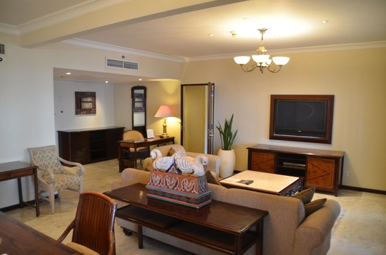 Sheraton Senggigi Beach Resort: living room