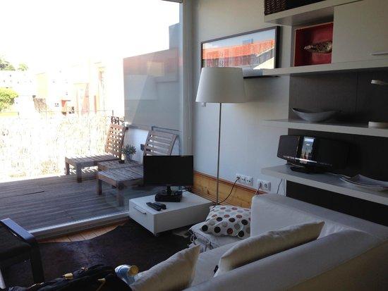 DesignOportoFlats: Studio room with balcony
