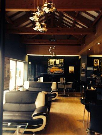 The Lounge Farsley.: The lounge