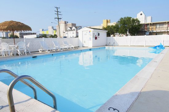 Seashire Inn & Suites: OUTDOOR POOL
