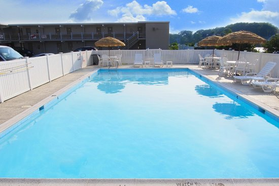 Seashire Inn & Suites: OUTDOOR POOL B