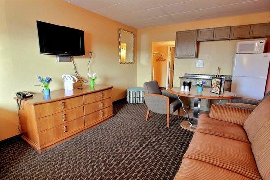 Seashire Inn & Suites: DELUX QUEEN SUITE