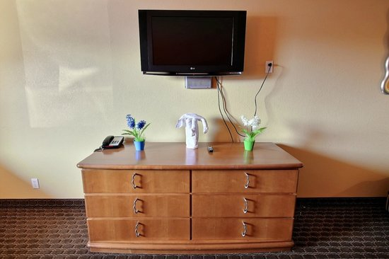 Sandpiper Inn: FLAT SCREEN TV