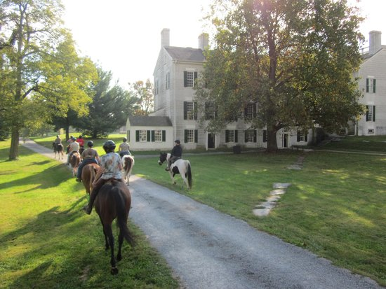 Shaker Village of Pleasant Hill - The Inn: Riding trails