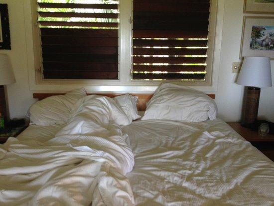 Hanalei Colony Resort : The bedroom