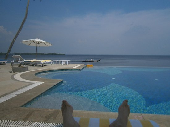 Lemon Tree Vembanad Lake Resort: My feet never looked so relaxed!