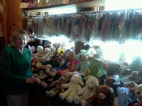 Big Bear Lake: Gladys Schweitzer