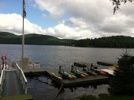 Covewood Lodge: The dock