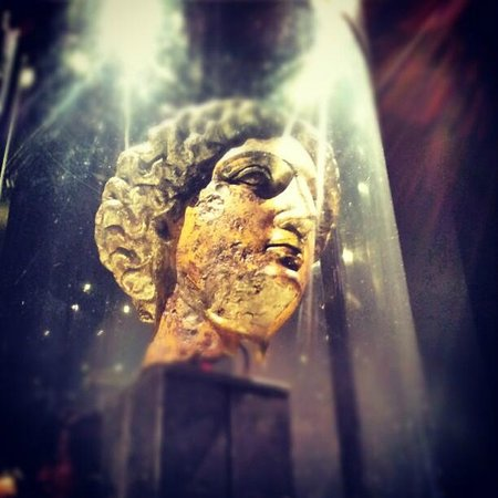 Roman Baths Museum : minerva