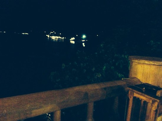 Santhiya Koh Phangan Resort & Spa: The main restaurant views by night