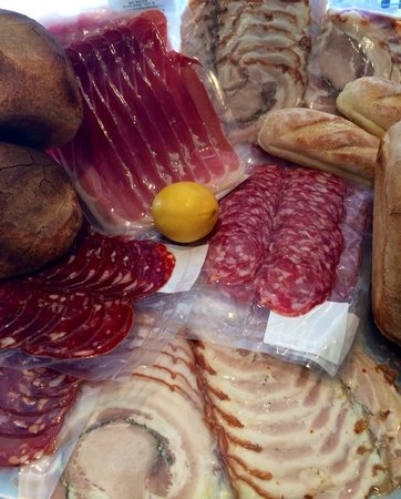 Pasini's Cafe : Tasty Cold Meats on Sale in the Deli