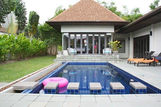vista della piscina e nostra camera da letto - Picture of Villa ...
