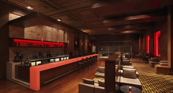 DoubleTree by Hilton Gurgaon-New Delhi NCR: Spiritual Bar - Gastro Bar