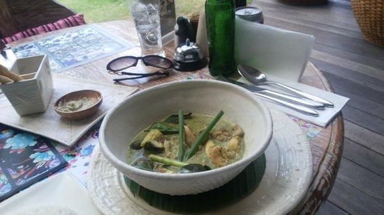 Blue Karma Hotel: Lunch Green Curry