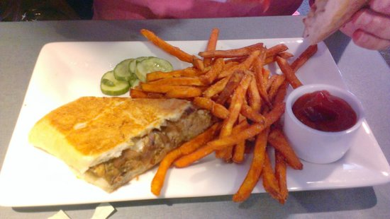 The Hershey Grill at the Hershey Lodge: Meat Loaf Sandwich/Sweet Potato Fries
