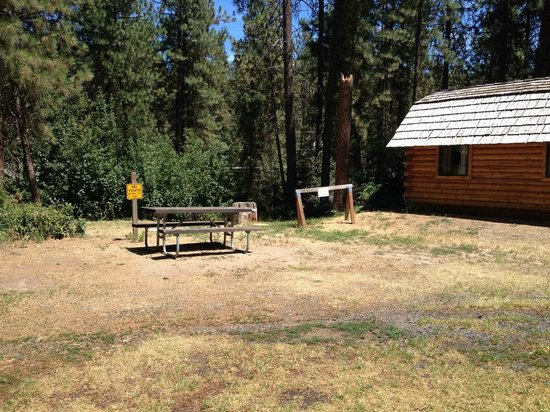 Leavenworth / Pine Village KOA: Horrible 'site'