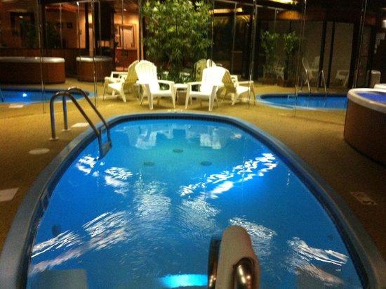 Sybaris Mequon: Pool!