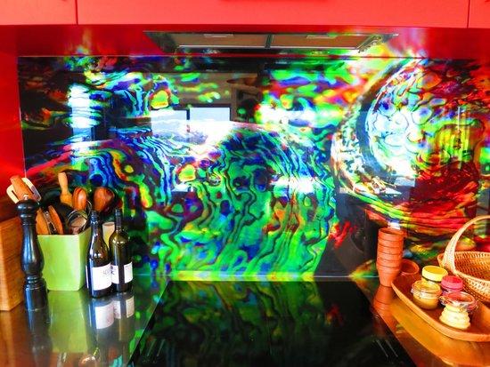 Sunlover Retreat : Lovely paua shell kitchen design