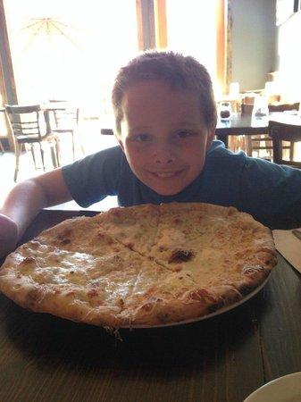 Idlewild Pizza : The Delancey pizza! mmm cheese!