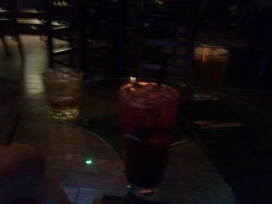 Derailed Pour House: Lousy picture of a terrific drink