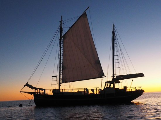 Cable Beach : Sunset cruise on Intombi