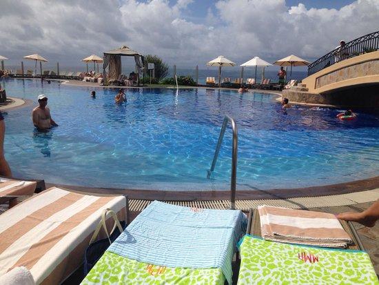 Pueblo Bonito Sunset Beach Golf & Spa Resort: Main pool that overlooks the Pacific Ocean
