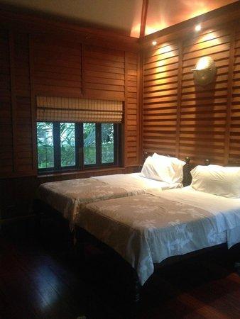 Santitham Guest House: CHAMBRE