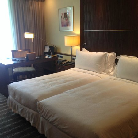 Sofitel Singapore Sentosa Resort & Spa: Twin bed