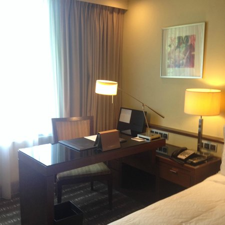 Sofitel Singapore Sentosa Resort & Spa: Study Table