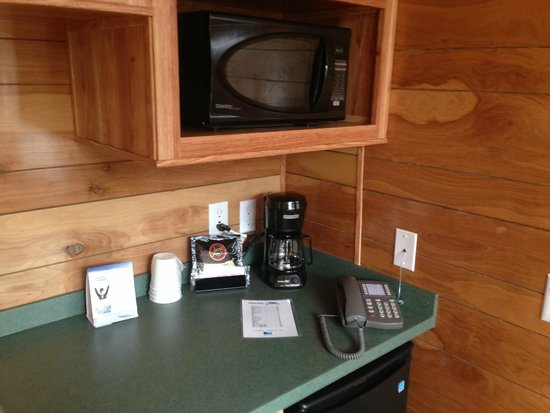 Kings Dominion Camp Wilderness Campground: Cabin Amenities