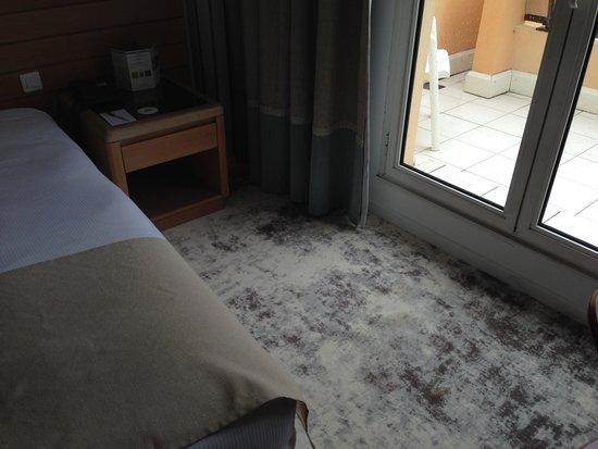 Holiday Inn Nice - Saint Laurent Du Var : Another shot of carpet