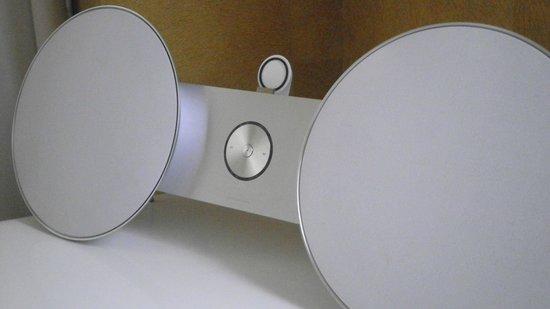 Hotel Re! : Bang & Olufsen iPod Dock
