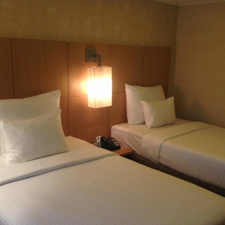 Novotel Singapore Clarke Quay: Twin bed