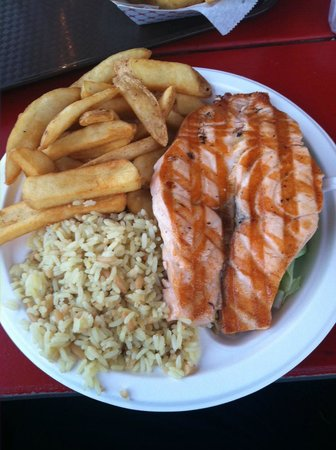 Malibu Seafood Fresh Fish Market and Patio Cafe : Delicious salmon, rice pilaf, fries