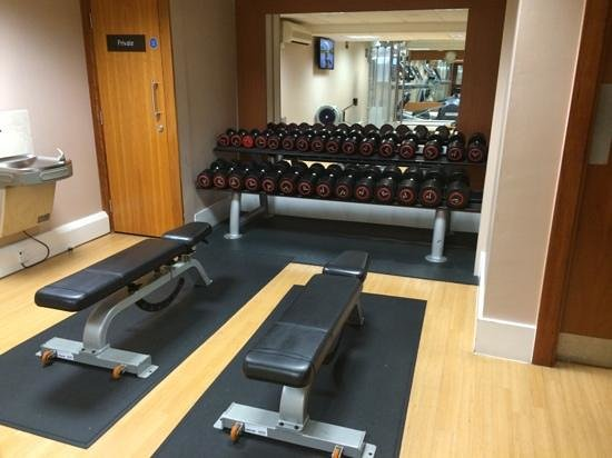 Hilton London Kensington: fitness room - photo 2