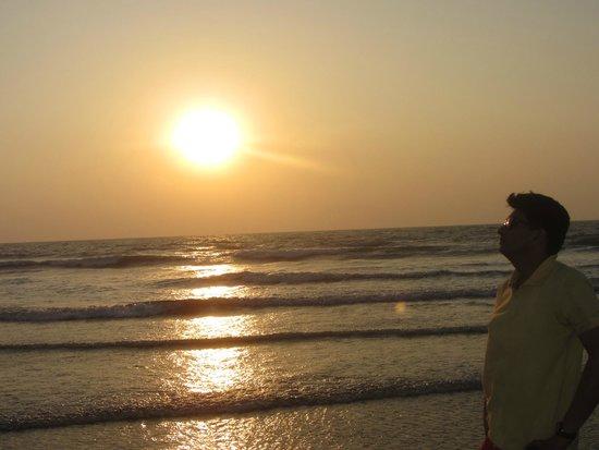 Morjim: sunset at beach...