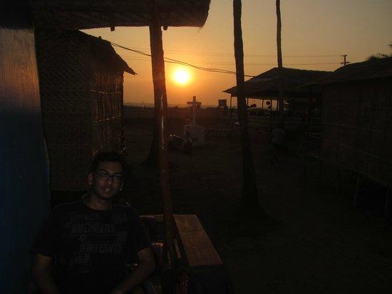 Morjim: sunset from room