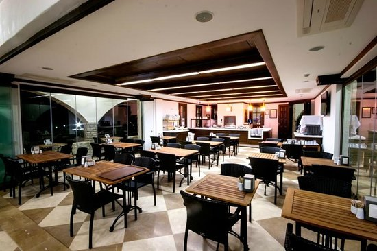 Orcey Hotel: RESTAURANT