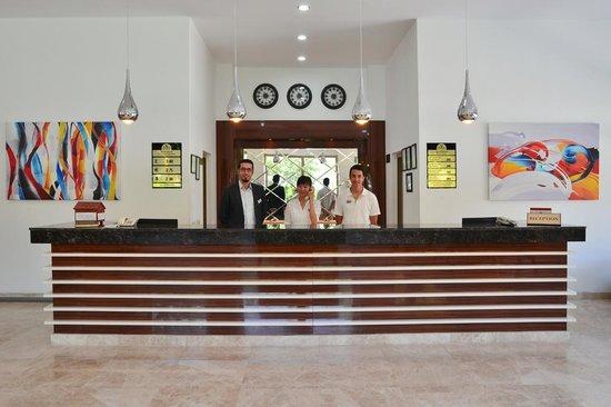 Suncity Hotel & Beach Club : Reception