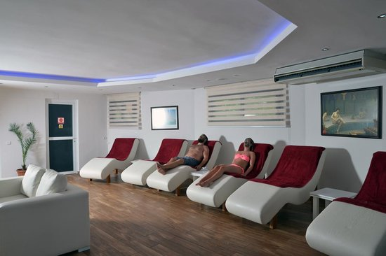 Suncity Hotel & Beach Club : Spa Relax Room