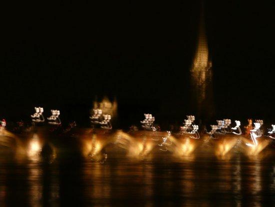 Pont de Pierre : En passant sous le pont la nuit