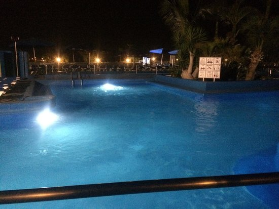 Servatur Puerto Azul: One of the pools at night