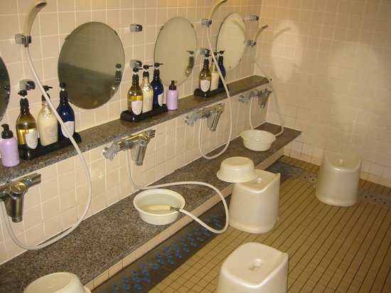 Hotel Ekimae : 小浴場の洗い場