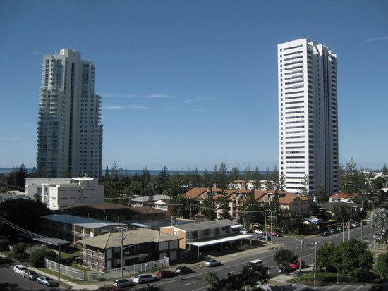 Meriton Serviced Apartments - Broadbeach: View from the balcony
