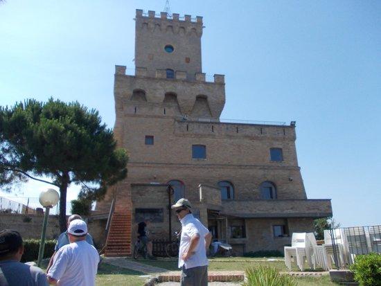 Hotel Jean Pierre: visite de la tour de cerrano avec le patron