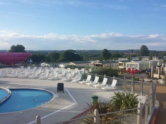 Combe Haven Holiday Park - Haven: sun bathing area