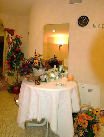 Hotel Lorenzetti: piscina