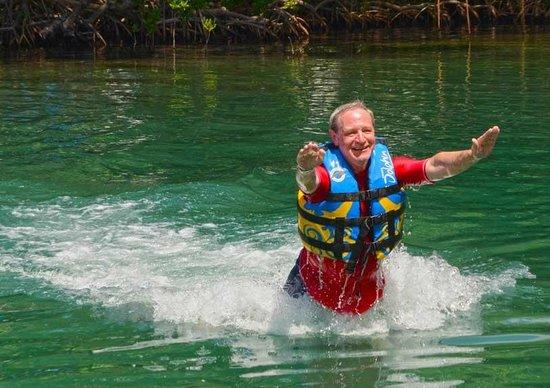 Dolphin Discovery Tortola: foot push