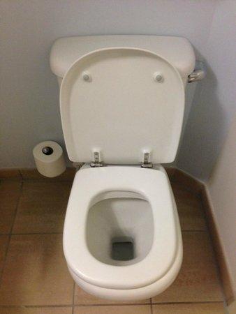 Club Quarters Hotel St. Paul's: Toilet
