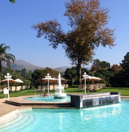 Royal Swazi Spa: Pool area